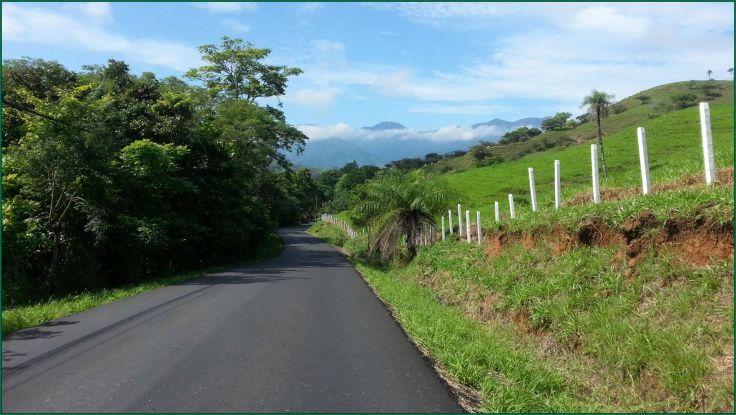 Turrubares_road